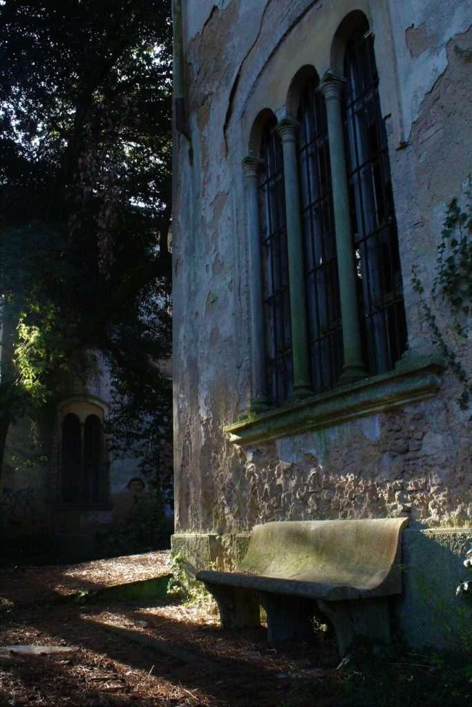Finestra del padiglione Ferri del manicomio di Volterra